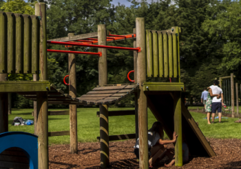 Children's Play Trail at Applewood Countryside Park